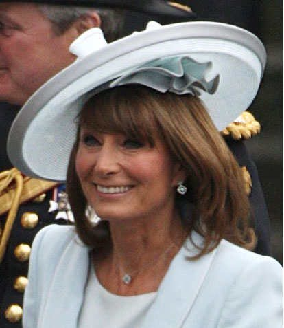 Carole Middleton chapeeu de  Jane Corbett