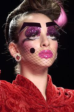 Maquiagem }Artística Desfile John Galliano