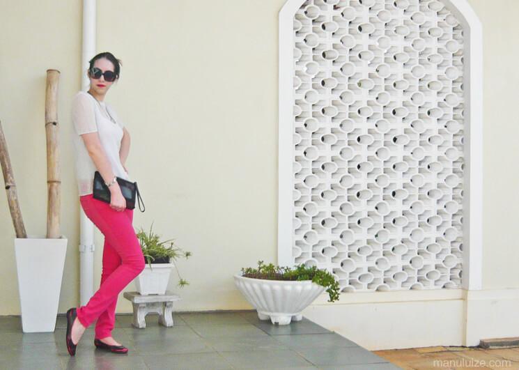 Blusa metalizada e calça pink