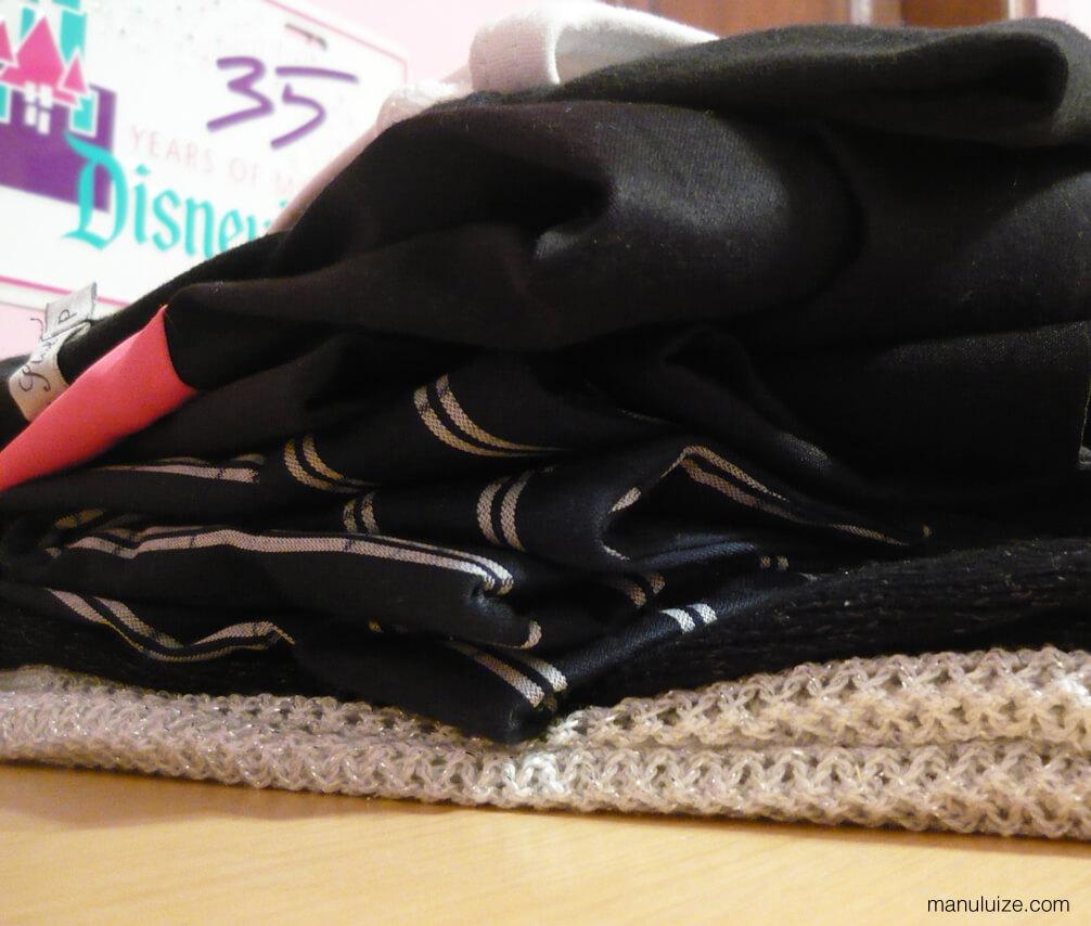 Weekend Bag - Pilha de roupas