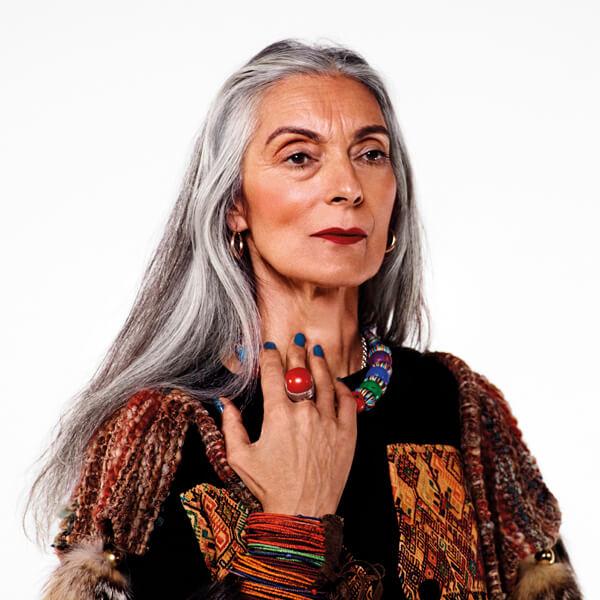 Senhora na campanha da Illamasqua Maquiagens