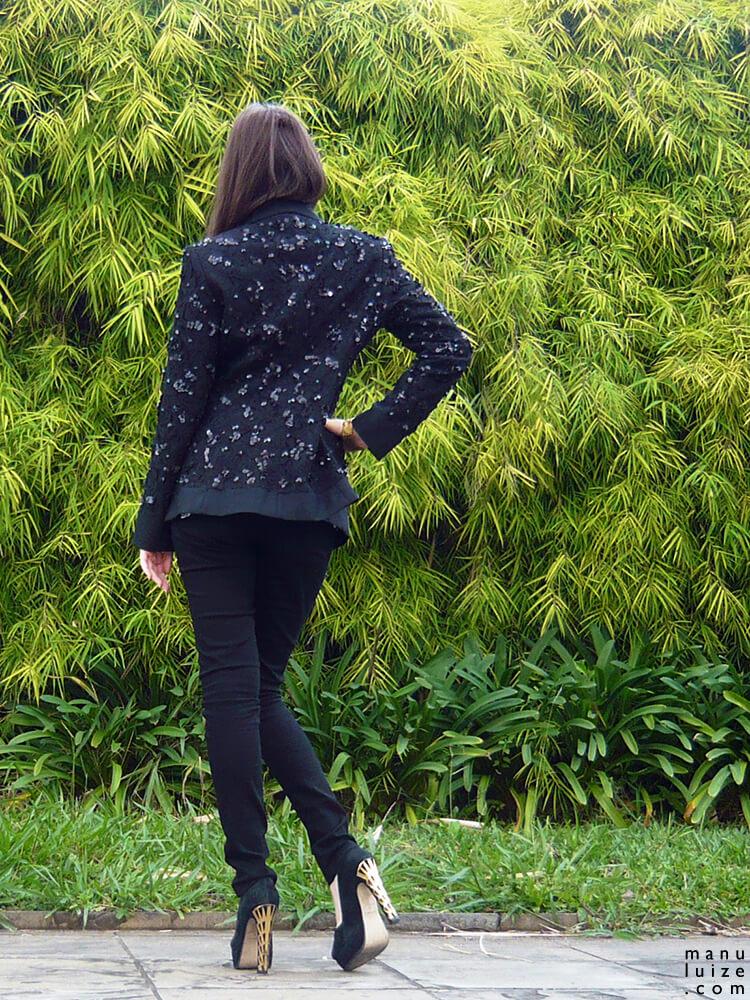 Look Le Smoking feminino, costas
