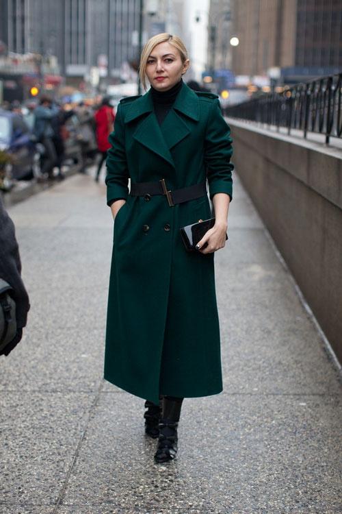 Como enfrentar o frio de Curitiba: Look com casaco longo