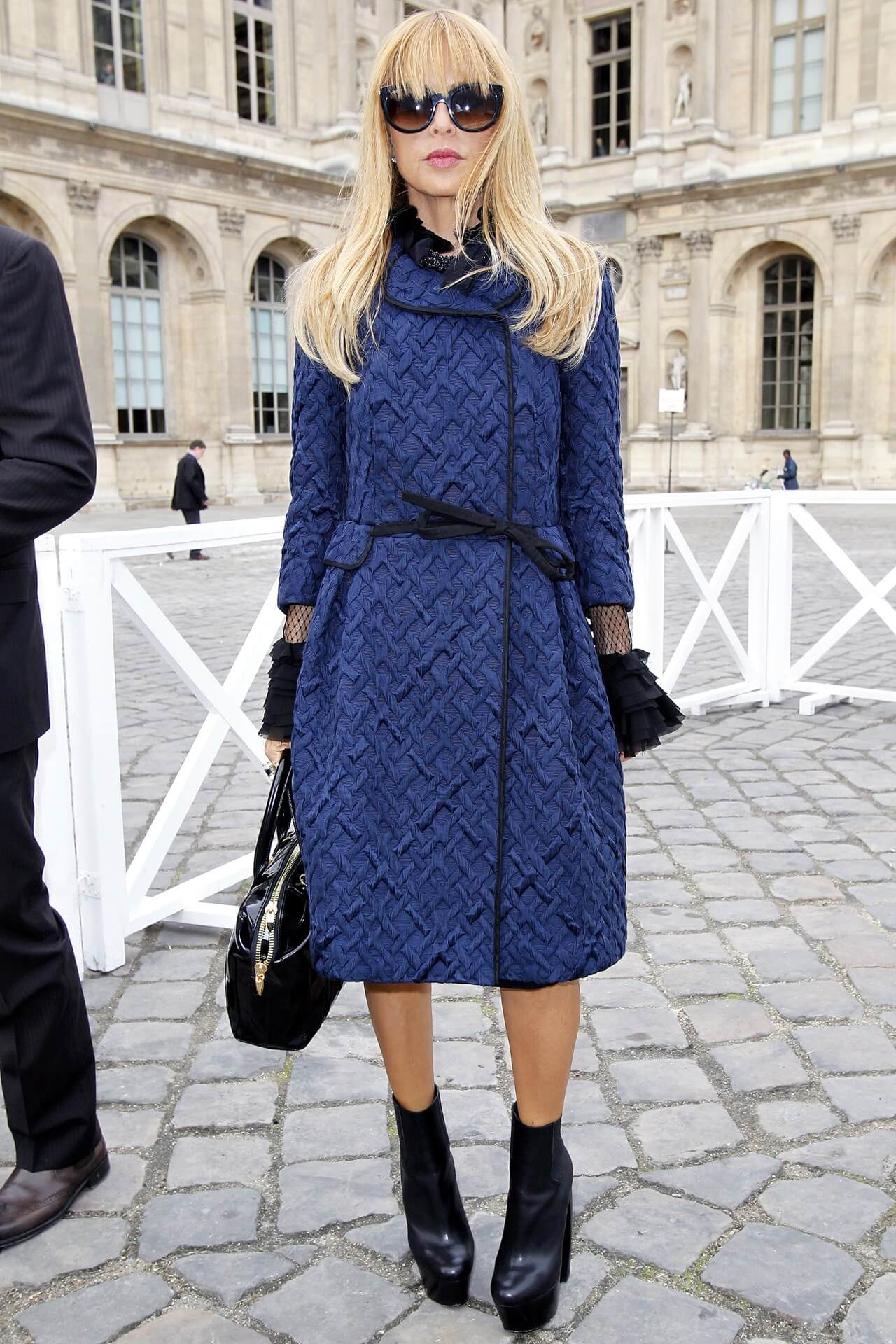 Look de inverno: Casaco azul - Rachel Zoe