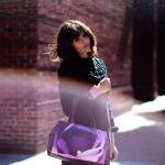 Kipling lança coleção com a top Helena Christensen
