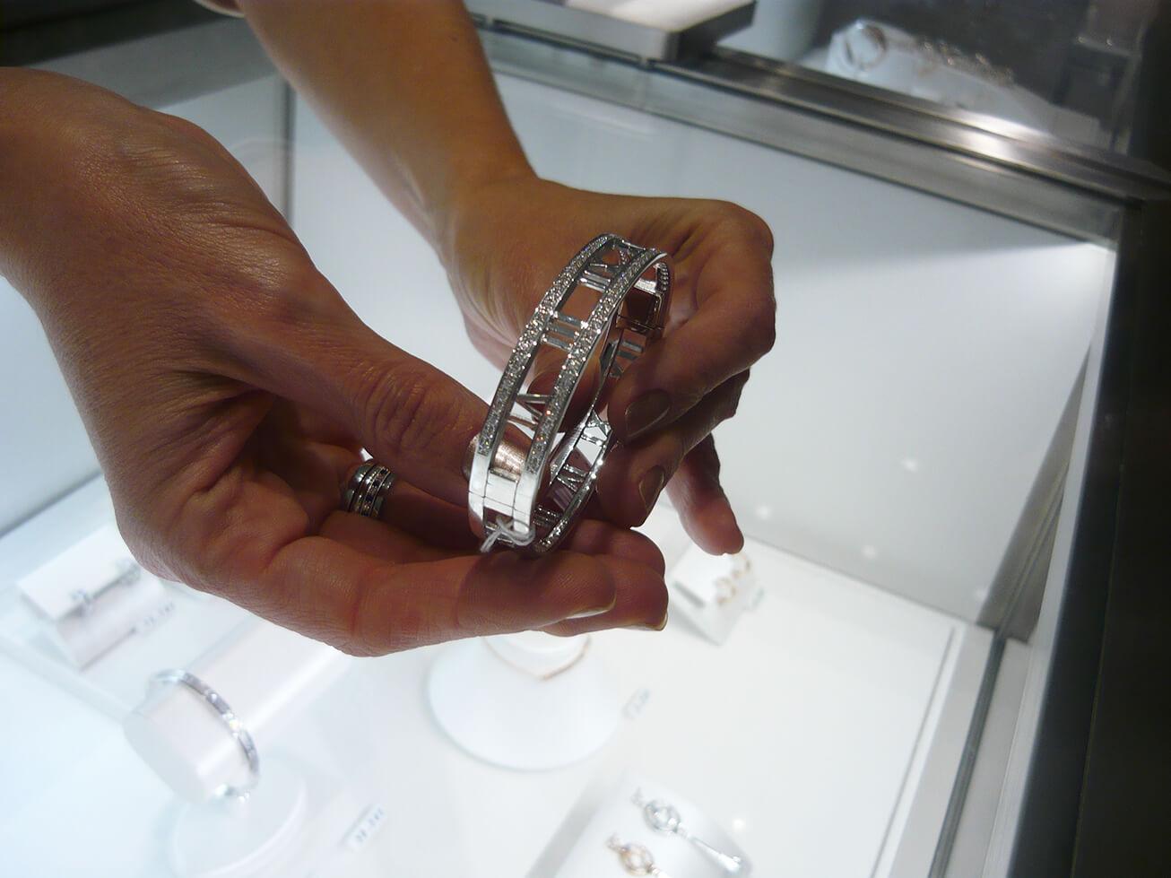 Brecelete Tiffany & Co. que inaugura loja no Pátio Batel em Curitiba