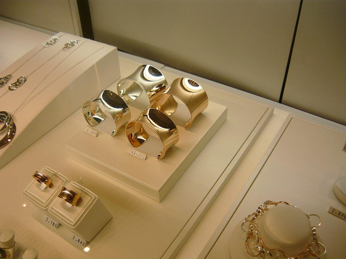 Tiffany & Co. 1837 Cuffs na nova loja no Pátio Batel em Curitiba
