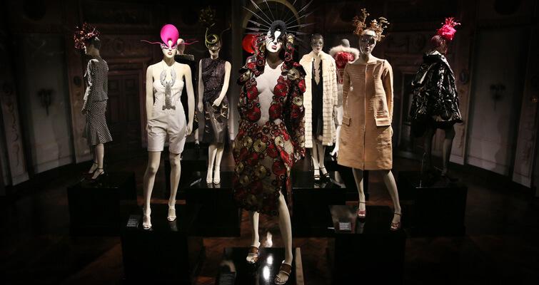 Exposição em Londres apresenta a coleção de Isabella Blow