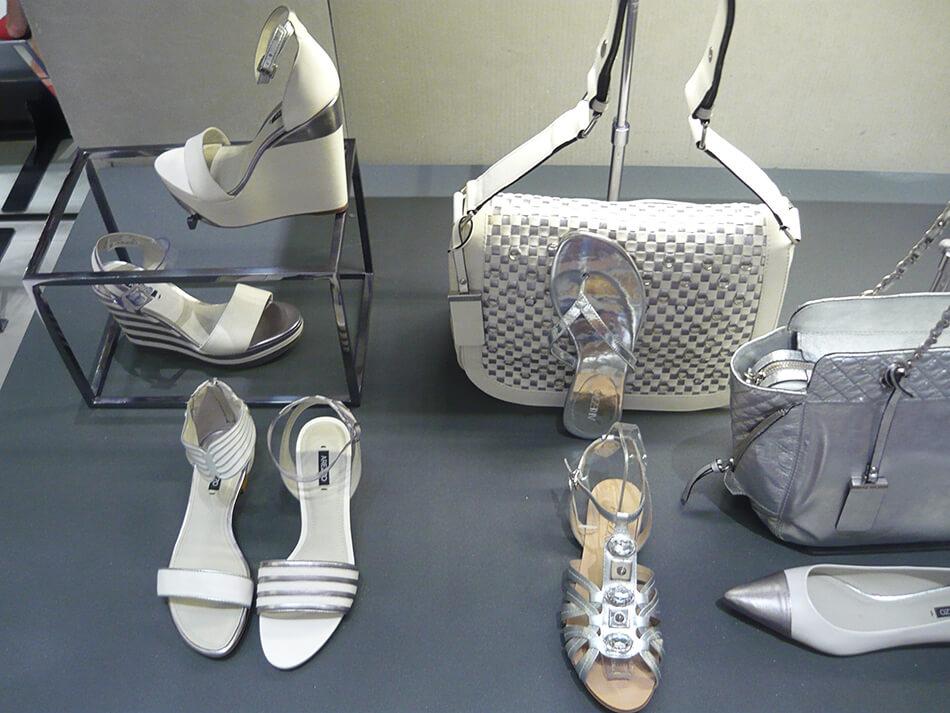 Tendência: Bolsa branca para o Alto Verão 2014 da Arezzo