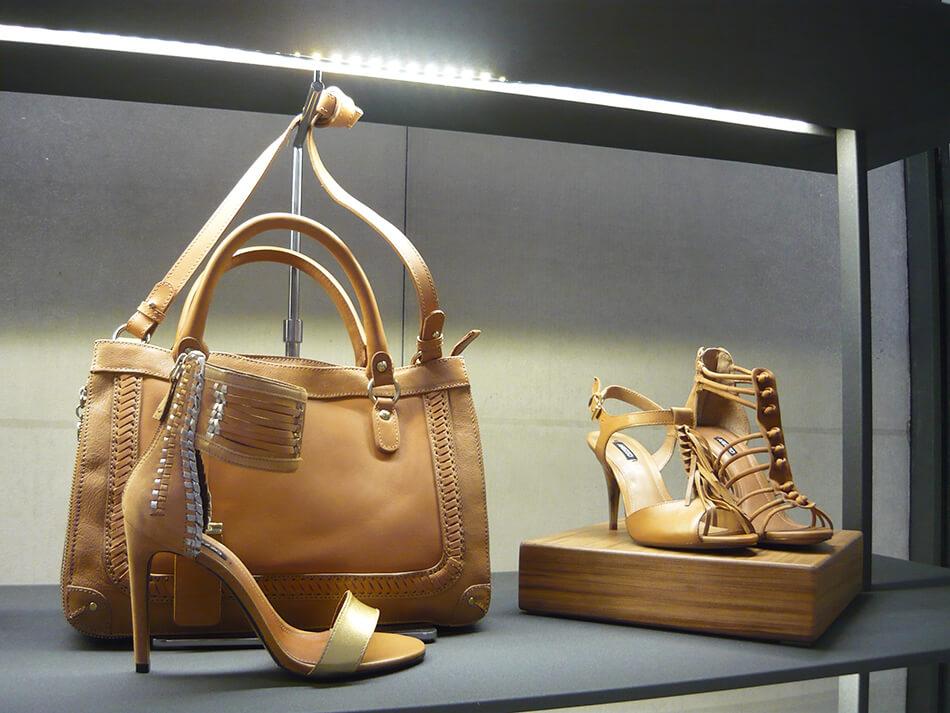 Bolsas e sapatos no lançamento de Alto Verão 2014 da Arezzo em Curitiba