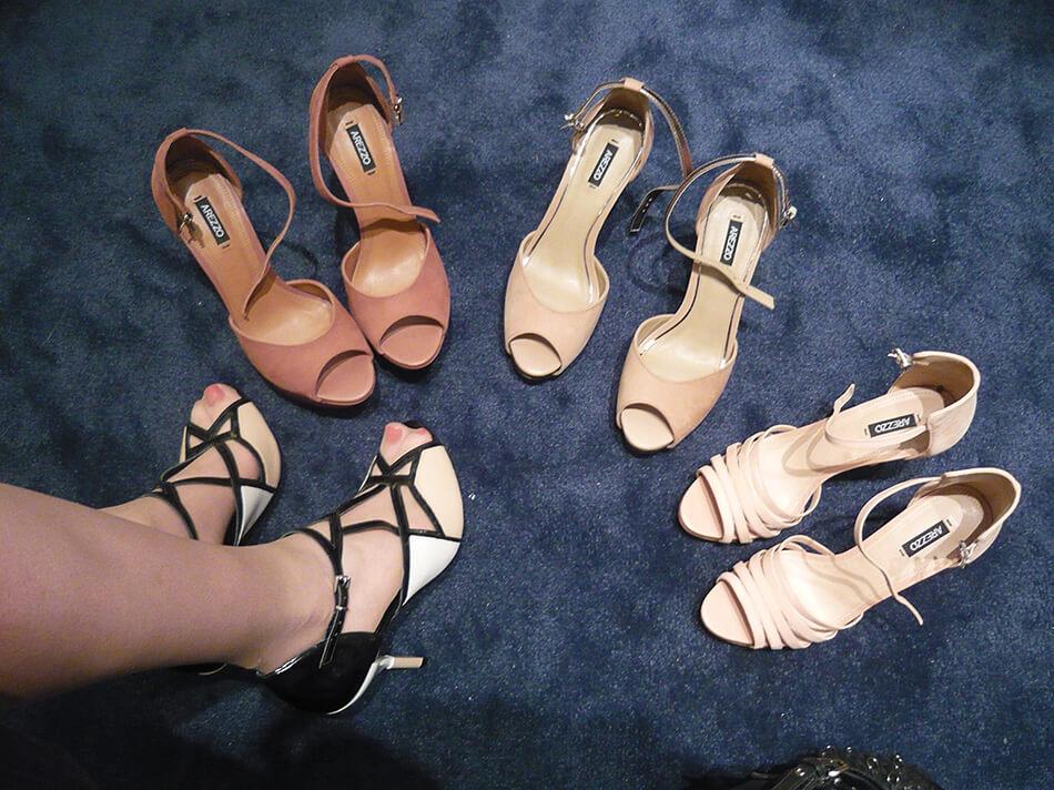 Sandálias no lançamento de Alto Verão 2014 da Arezzo em Curitiba