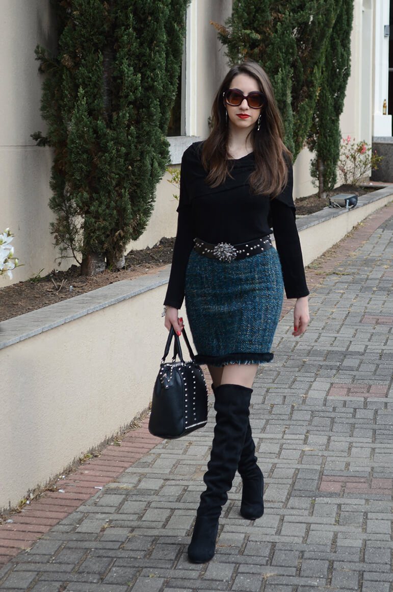 Look do Dia com botas over the knee em Curitiba