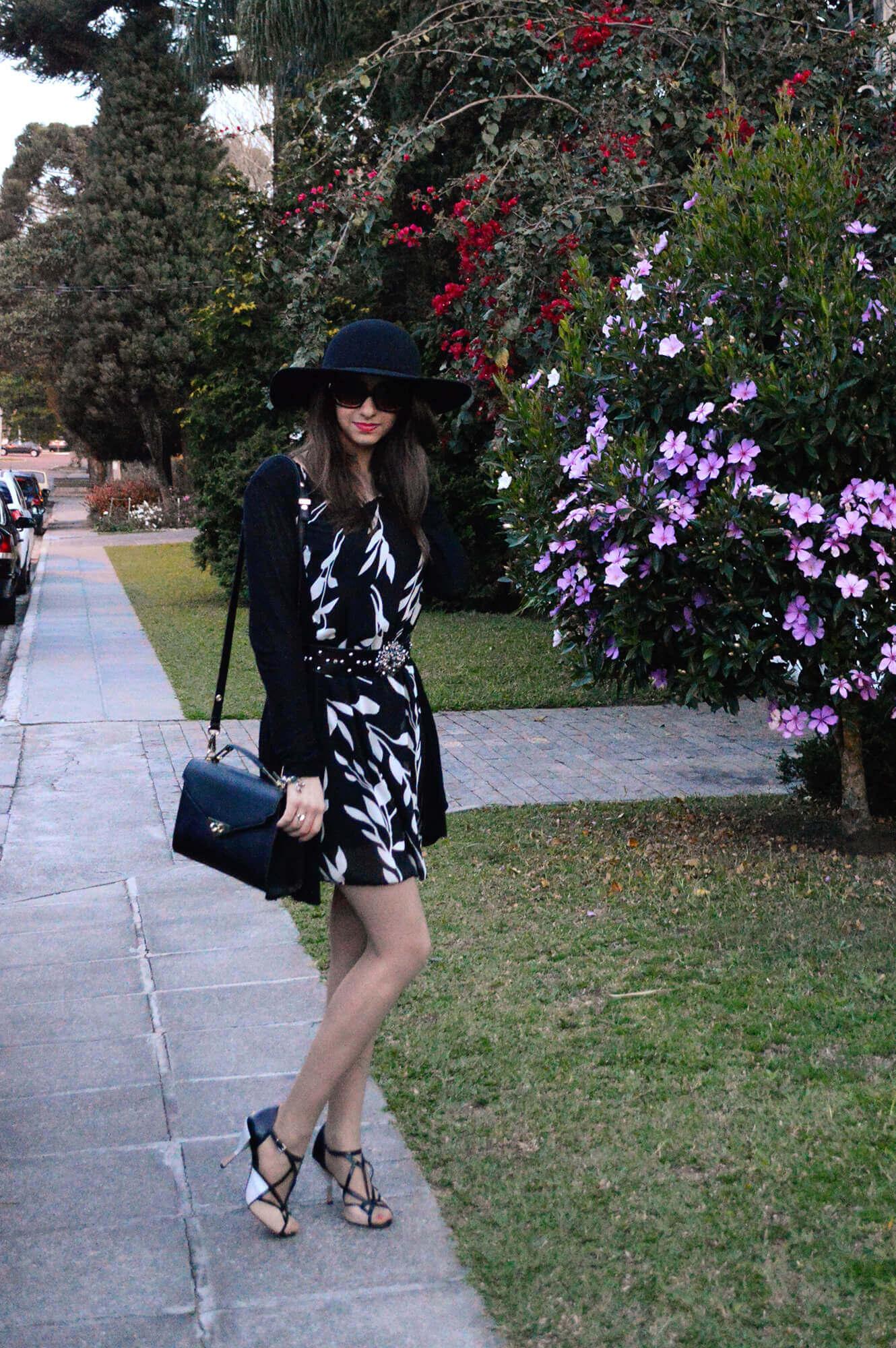Look do dia: Vestido preto e branco e chapéu