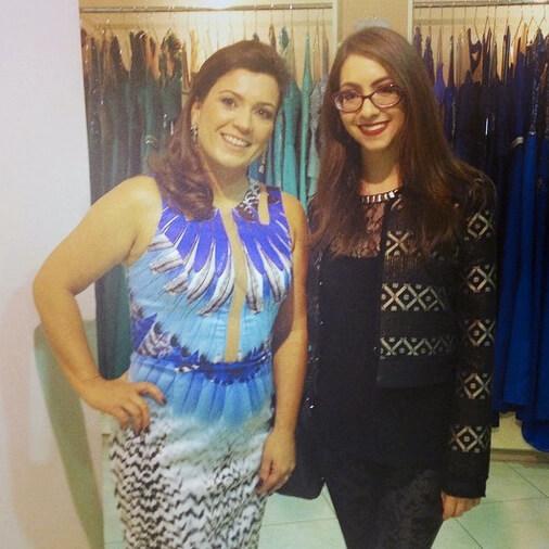Com Rafaela Mantovani no lançamento da nova coleção em sua loja de moda festa.