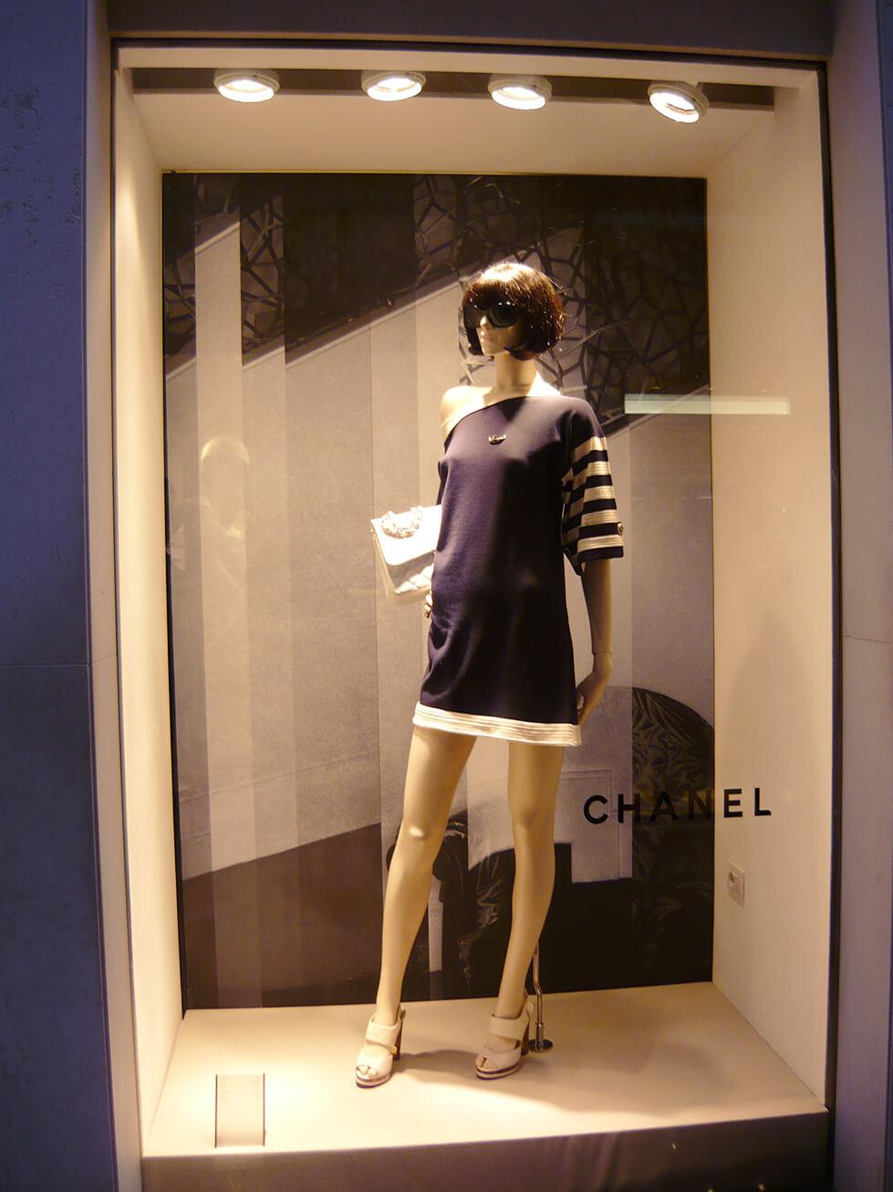 Vitrine de Primavera/Verão 2014 da Chanel em Veneza - Itália