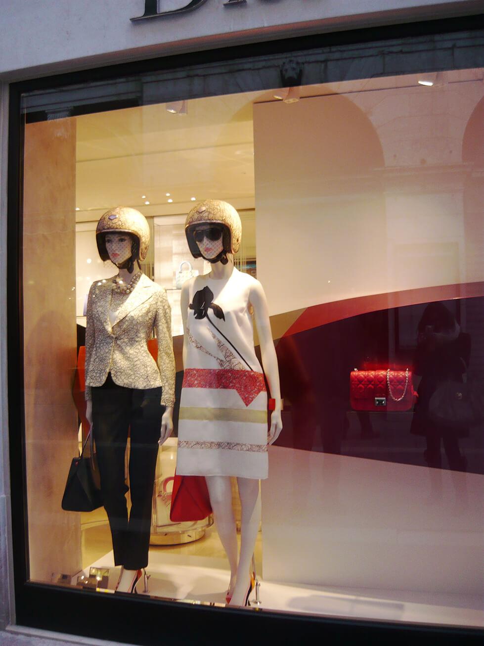 Vitrine de Primavera/Verão 2014 da Dior em Veneza - Itália