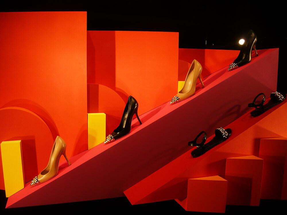 Sapatos na vitrine de Primavera/Verão 2014 da Louis Vuitton em Veneza - Itália