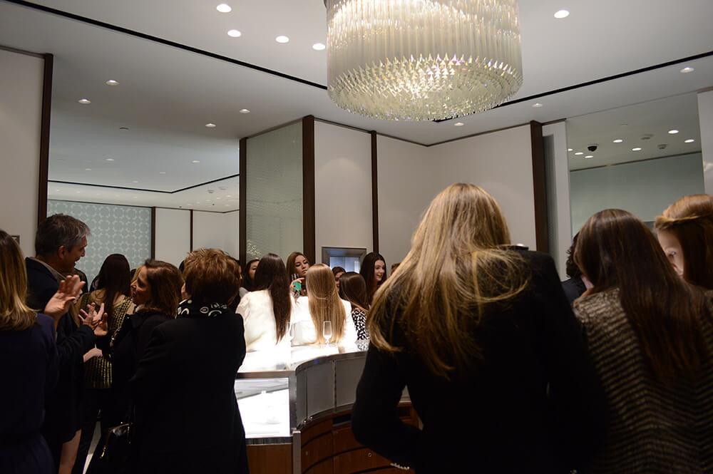 Tiffany realiza o evento Tiffany Sweet 15 em sua loja do Pátio Batel em Curitiba.