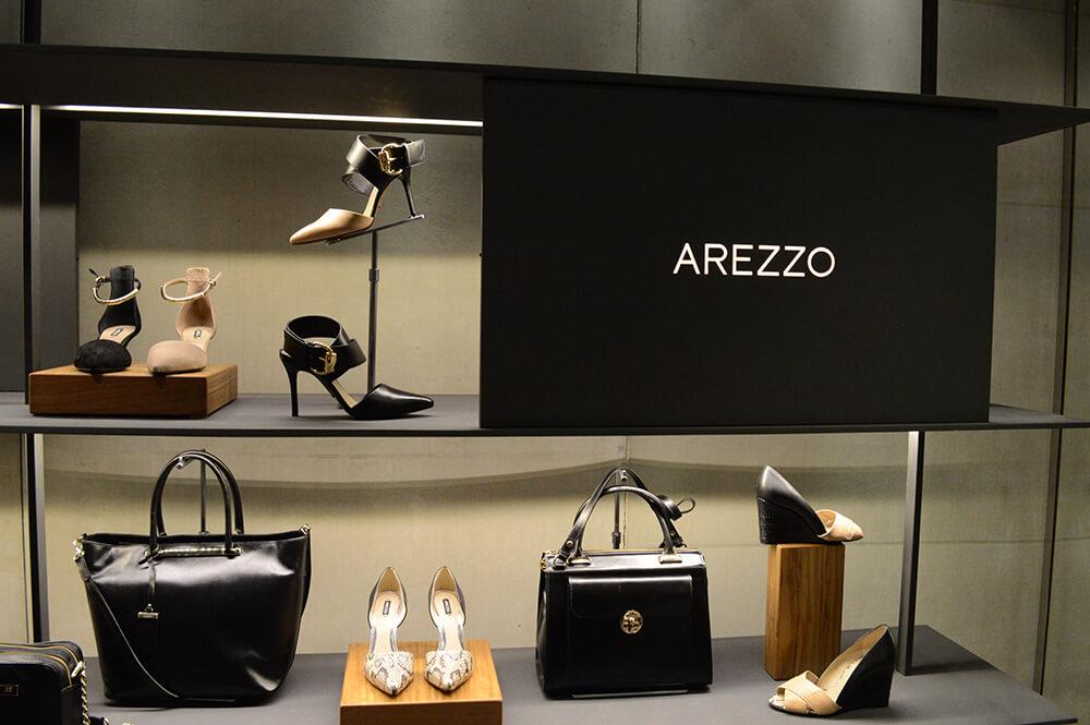Lançamento da coleção de Verão 2015 da Arezzo em Curitiba - Sapatos e bolsas neutras