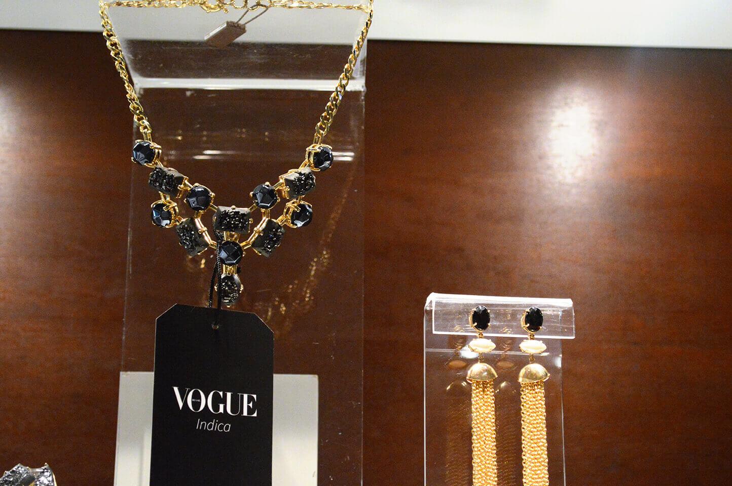 Vogue indica: colar Fabrizio Giannone para o Verão 2015