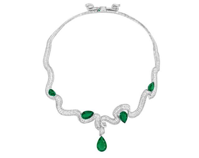 """Colar com esmeraldas da coleção """"Archi Dior"""" de alta joalheria"""