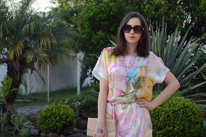 Com vestido da Dimy da coleção de Verão 2015