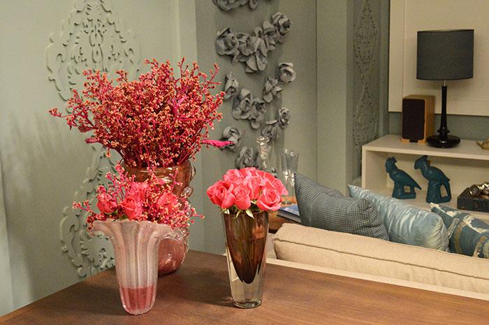 Detalhe das flores que decoram o ambiente