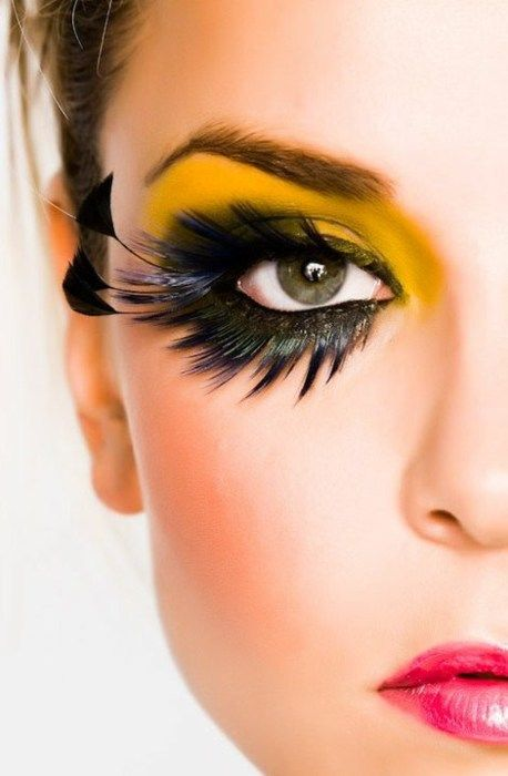 Maquiagem Carnaval olhos amarelos