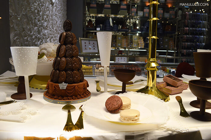 Le Marquis de Ladurée em Paris - Macarons e chocolate