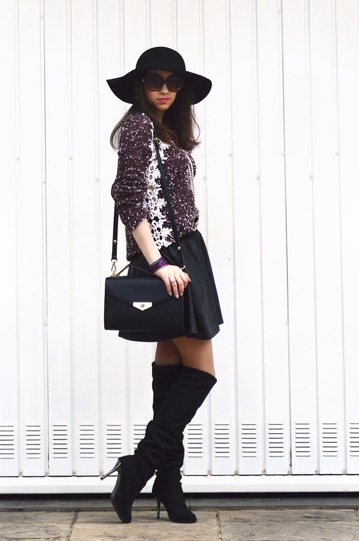 Look do dia: Saia de couro com bota over the knee