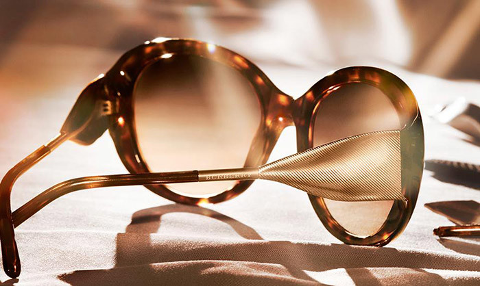 Óculos de sol da Burberry - The Gabardine Collection