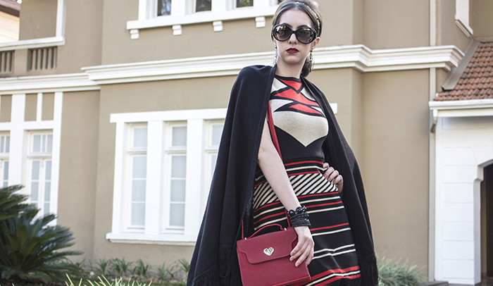 Look do dia: Vestido estampado com capa