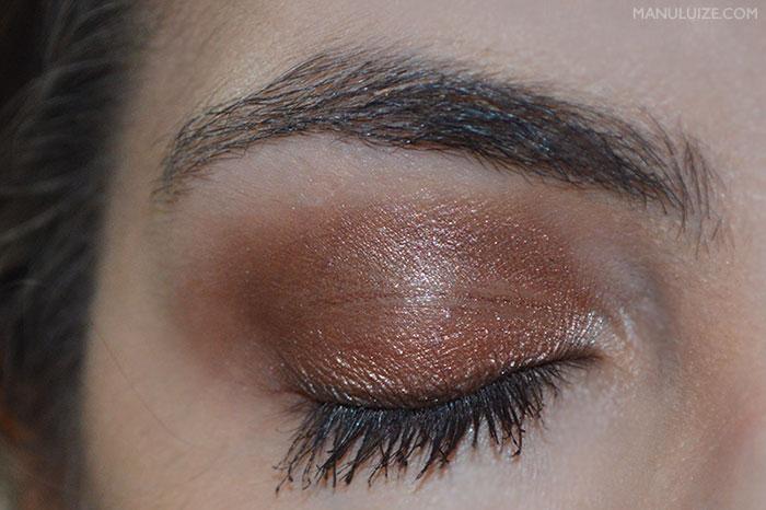 Maquiagem com sombra marrom