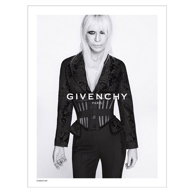 Donatella Versace para publicidade da Givenchy