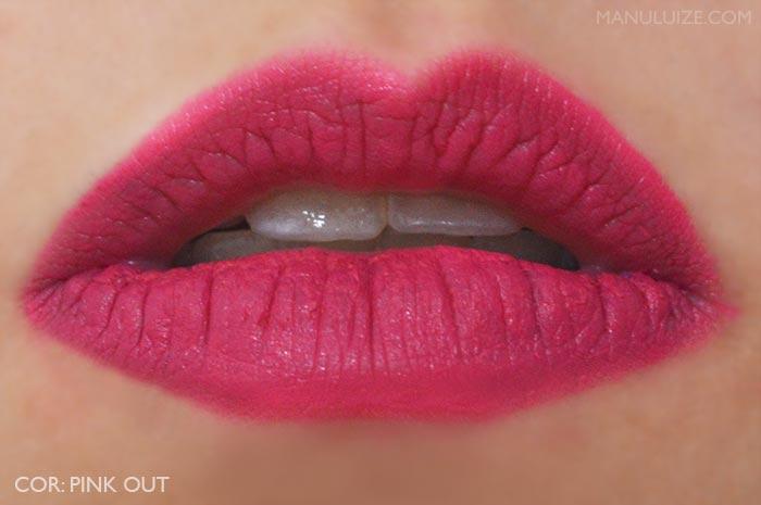Lábios com o batom Pink Out Boticário