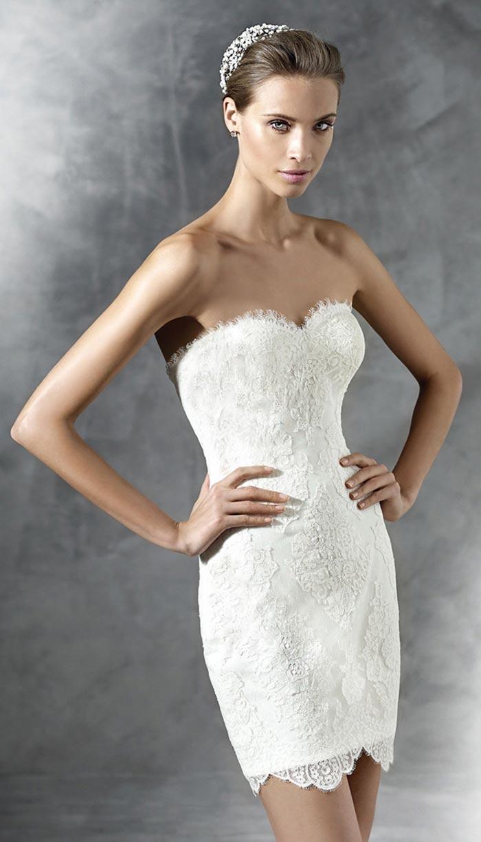 Vestido de noiva curto tomara-que-caia