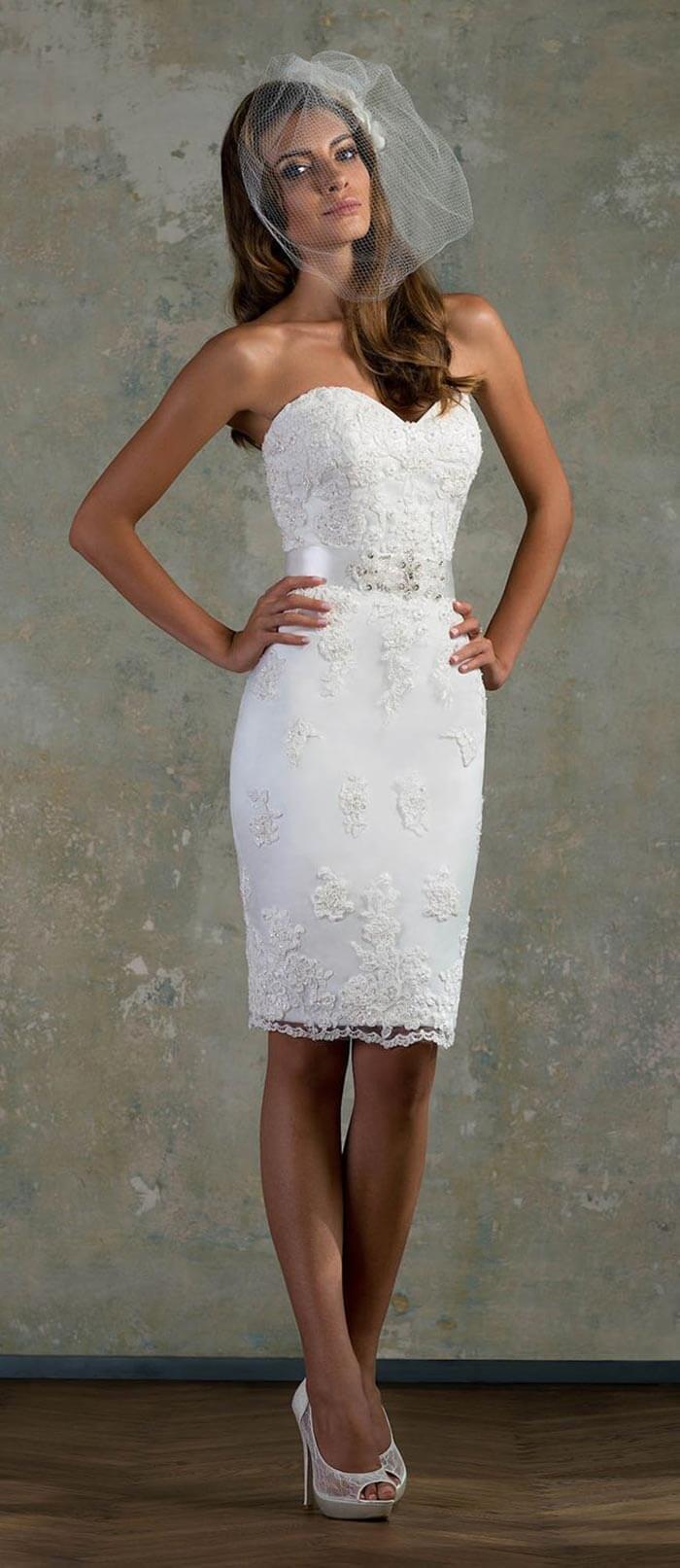 Vestido com decote de coração para noivas