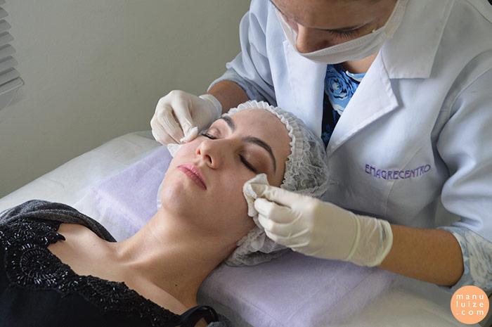 1˚ passo do Peeling Facial: higienizar