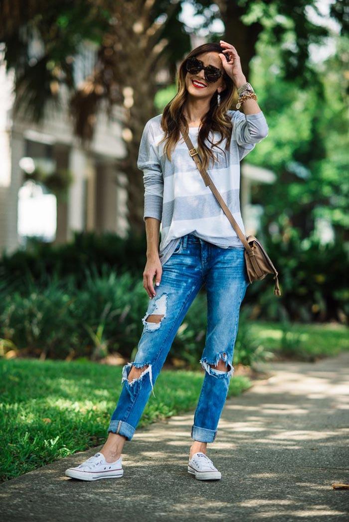 Look dia com calça jeans rasgada