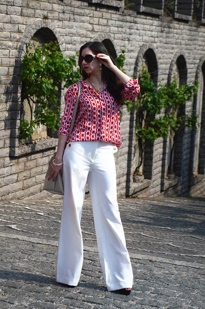 Look com calça branca e camisa