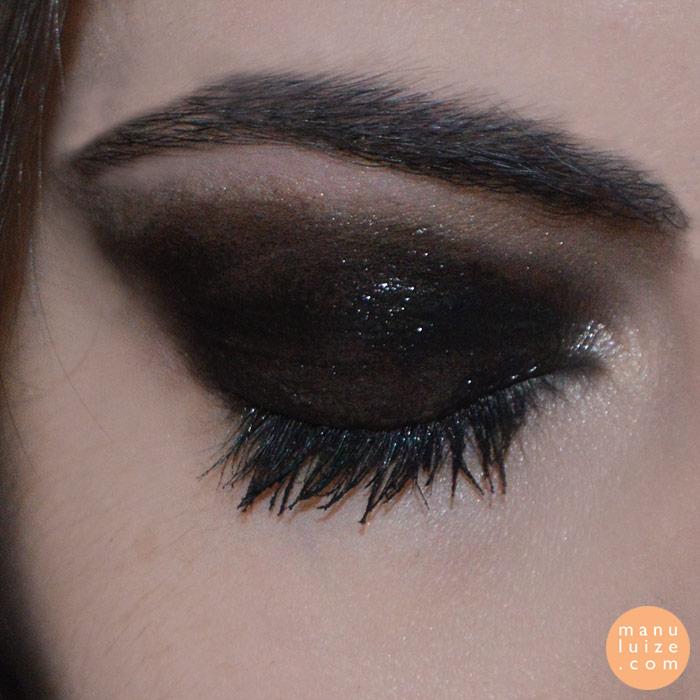 Glossy Eyes preto