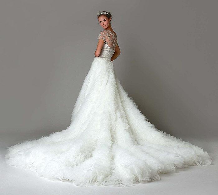 Vestido de Noiva Marchesa com cauda