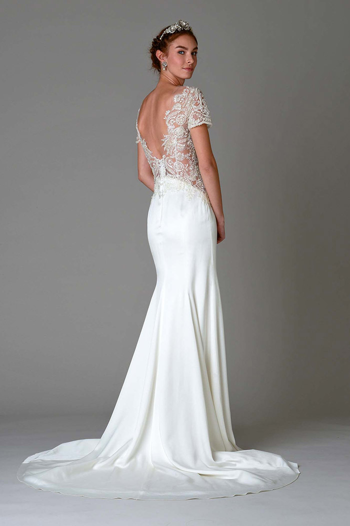 Vestido de noiva bordado - costas