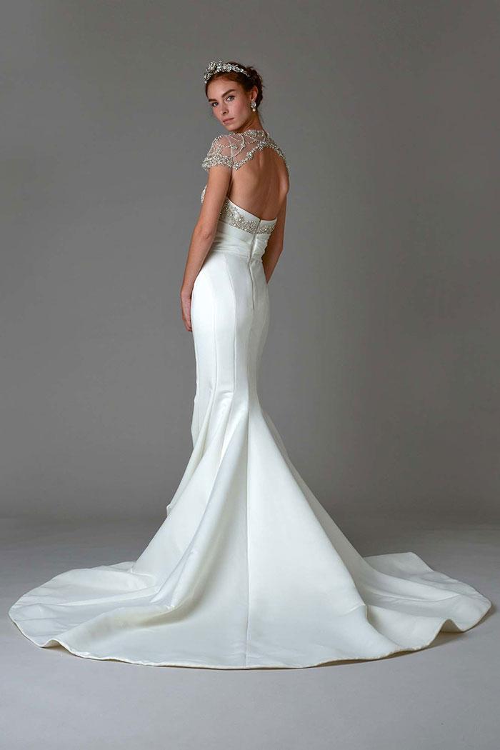 Vestido de noiva com cauda sereia