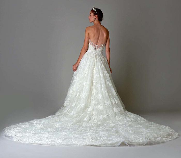 Noiva Marchesa vestido com cauda