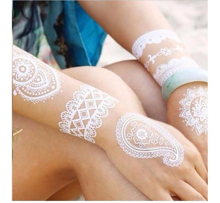 Tattoo branca