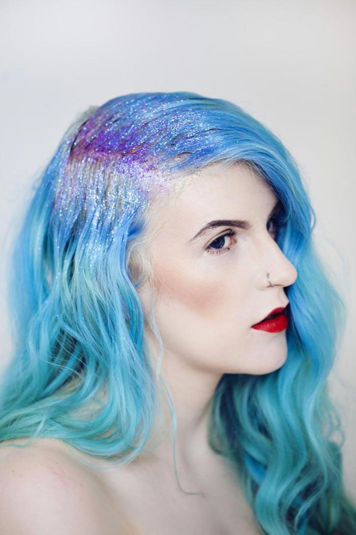 Cabelo azul com glitter