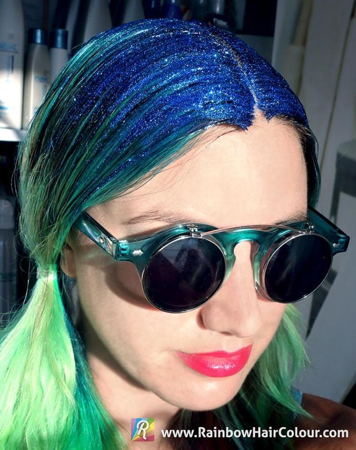 Cabelo verde com glitter
