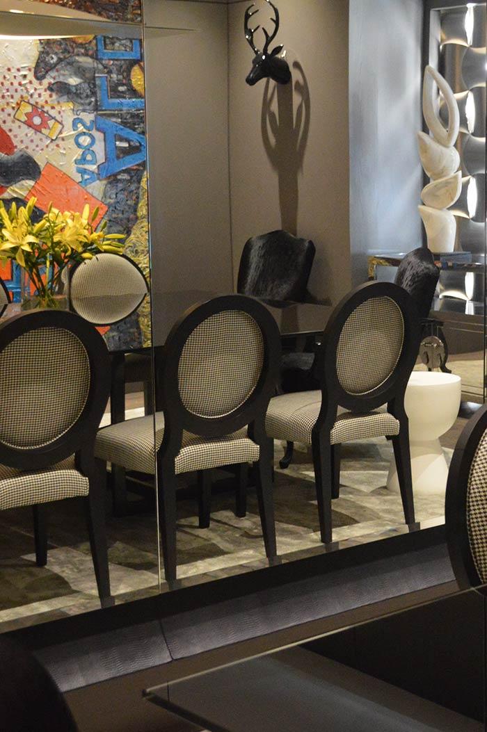 cadeiras em sala de jantar