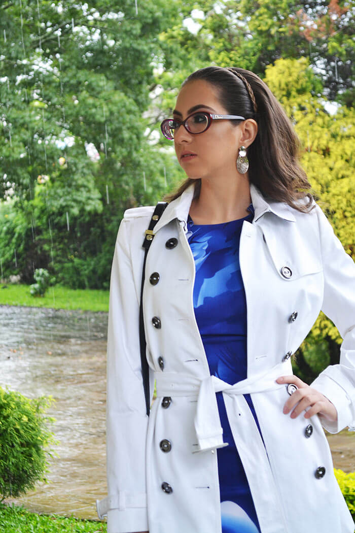 Look com trench coat e vestido